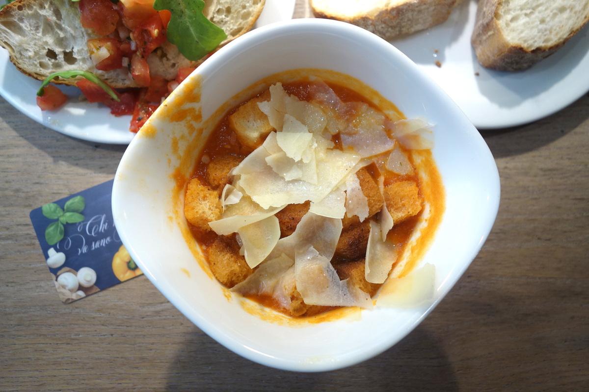 Vapiano Champs-Elysées - Soupe à la tomate