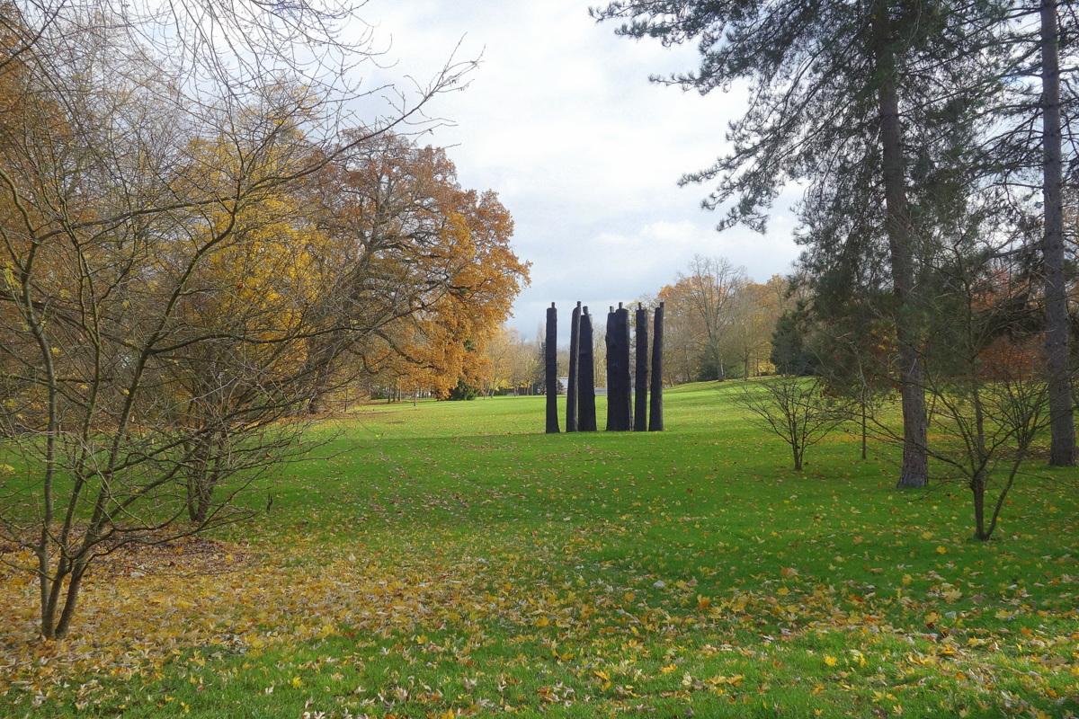 Le parc de la propriété Caillebotte