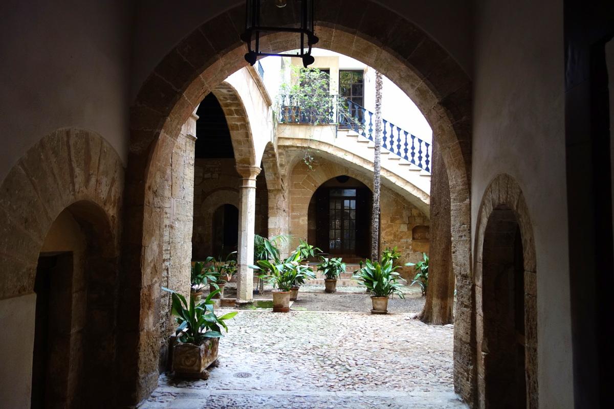 Les patios de Palma de Majorque, aux Baléares
