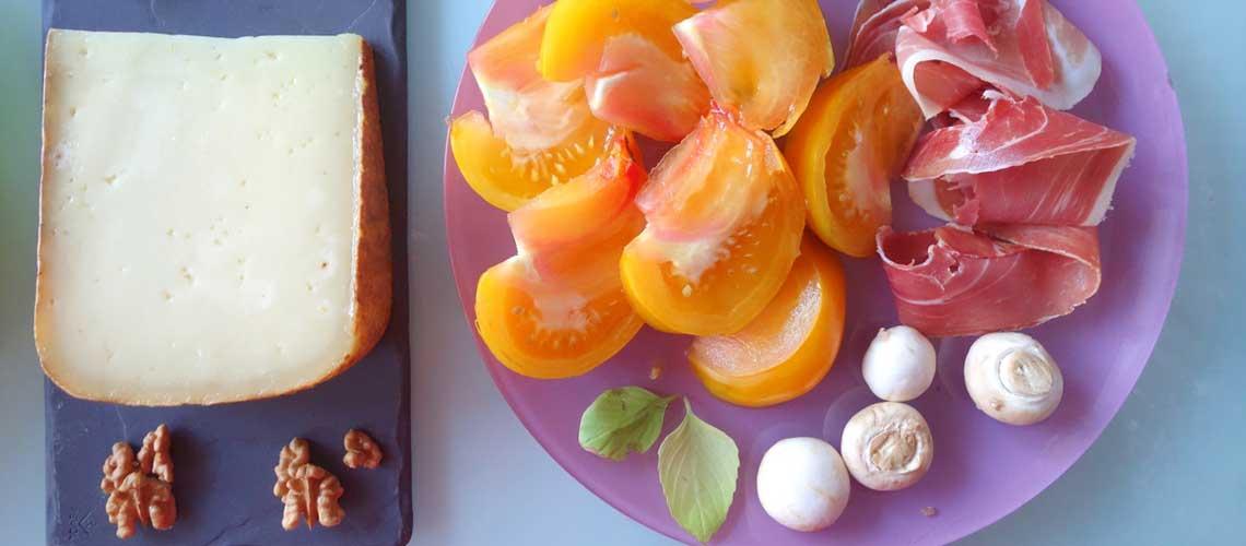 Ossau-Iraty - Un apéritif et des tomates