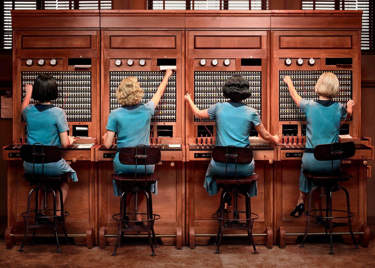Les demoiselles du téléphone / Las chicas del cable
