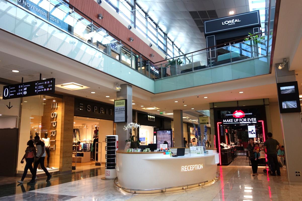 L'accueil du centre commercial Vélizy 2