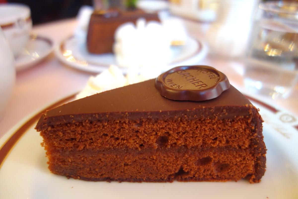 Goûter à l'hôtel Sacher - Bonne adresse de restau à Vienne