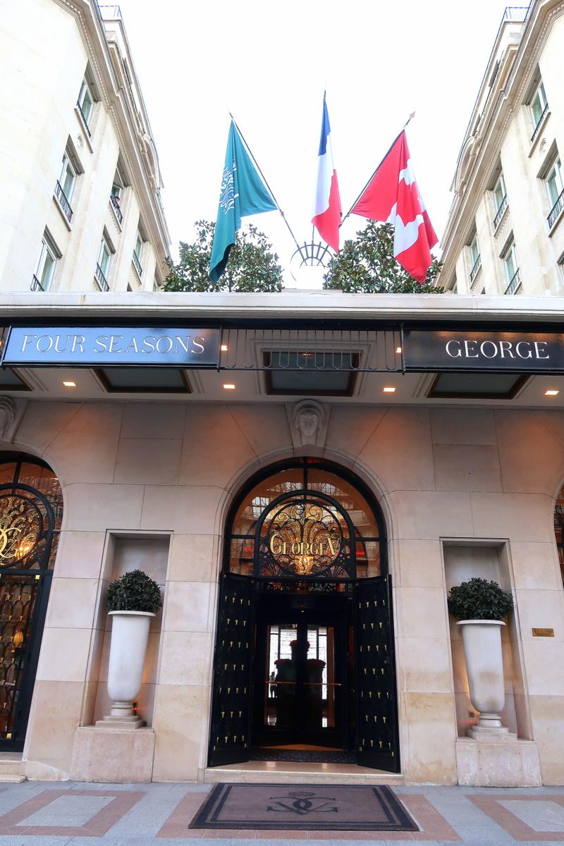 Le tea time du Four Seasons Hotel George V Paris