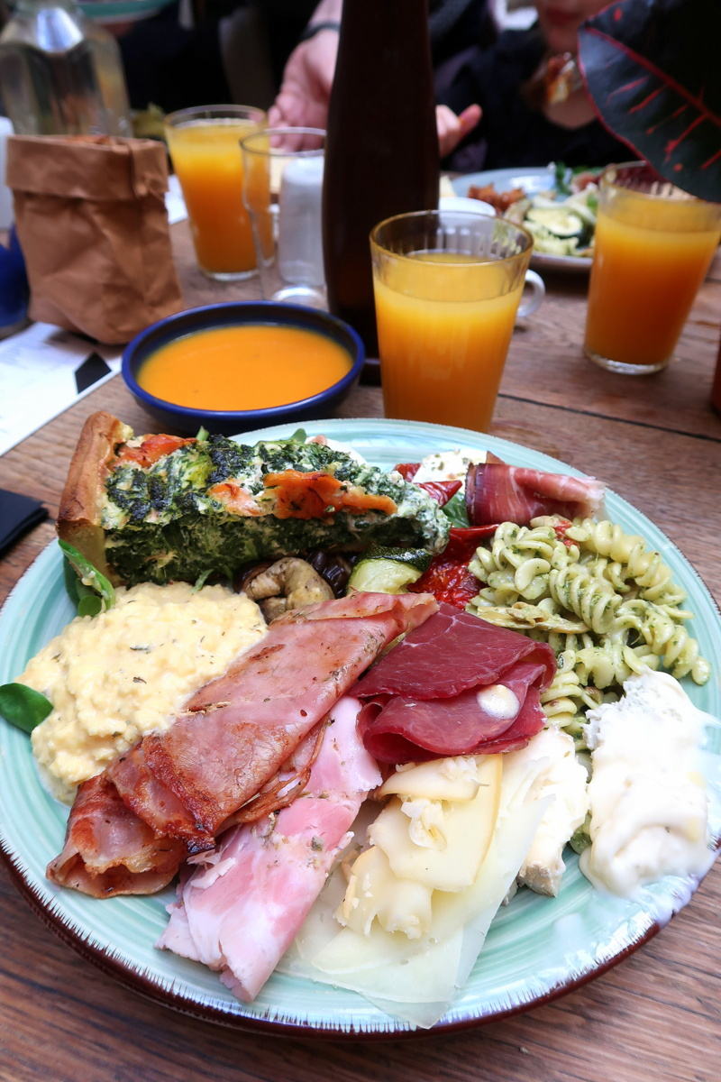 La Rotonde - Le grand marché Stalingrad - Brunch Paris 19e