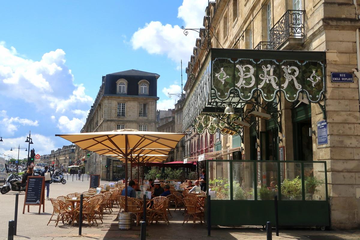 Une terrasse à Bordeaux