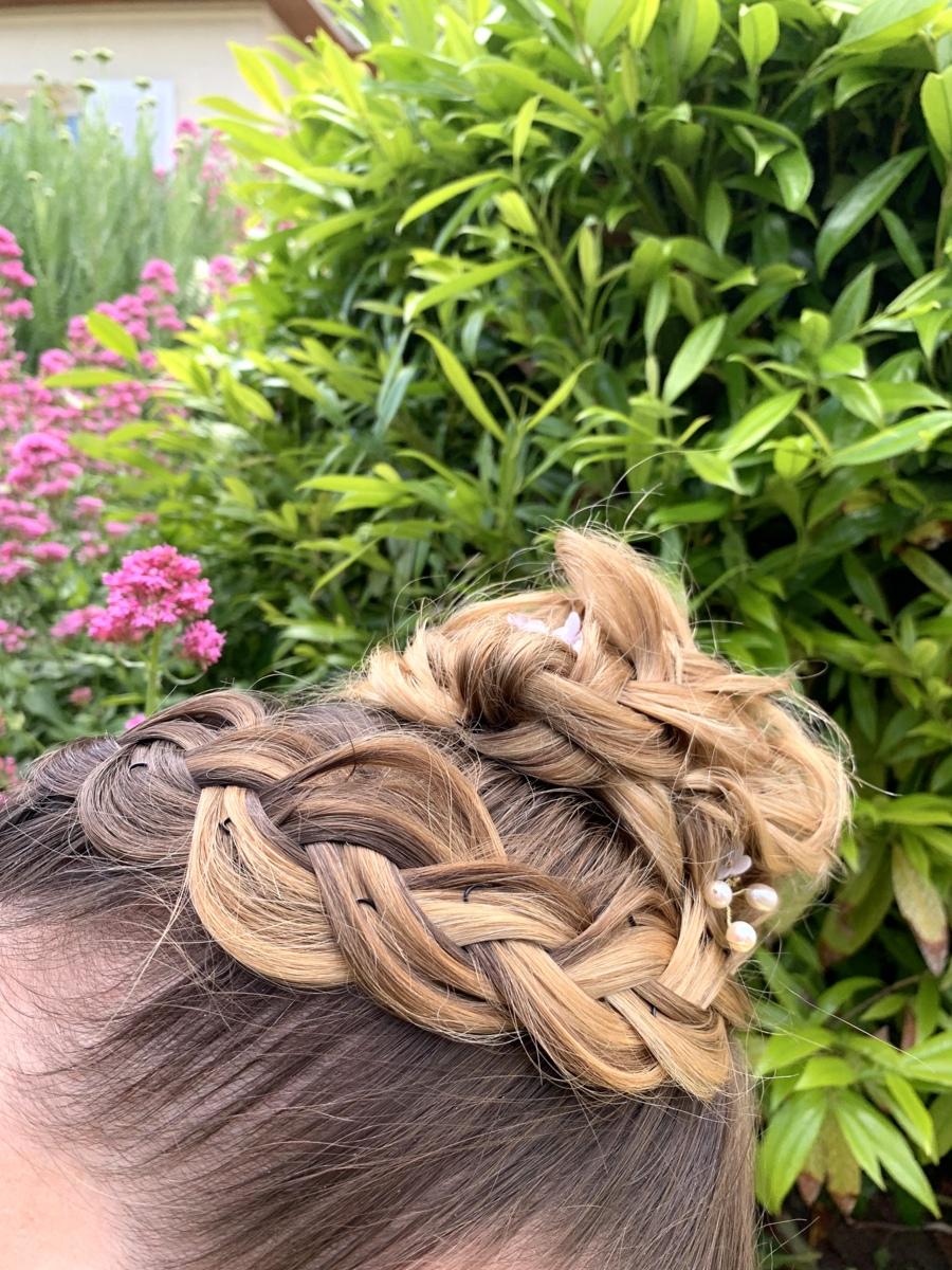 Chignon de témoin - L'Art coiffure, Troyes