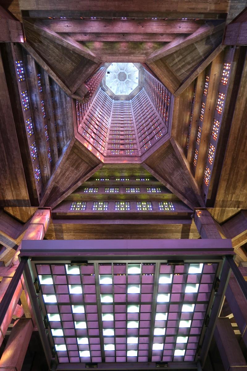 Le Havre - Église Saint-Joseph - Oceangate